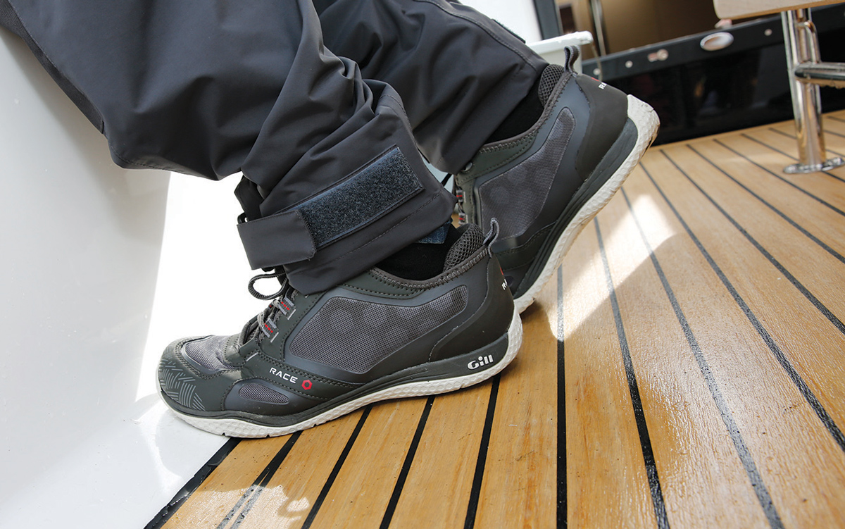 best-boat-shoes-buying-guide-Gill-Deck-Trainers