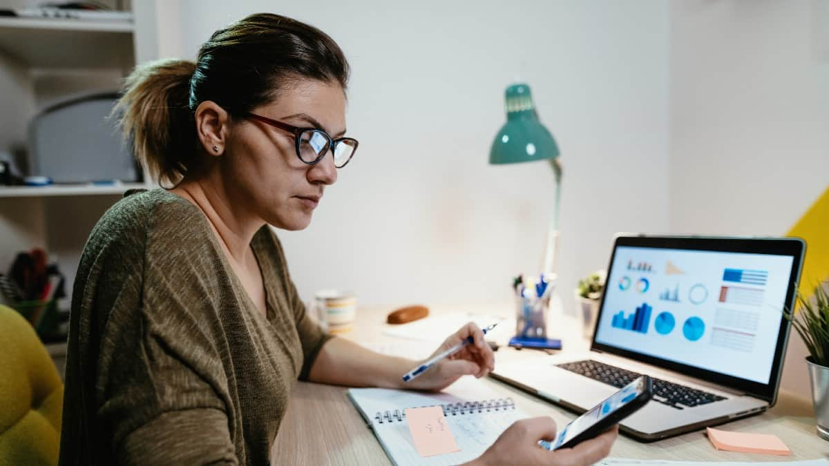 Working from home due to social distancing